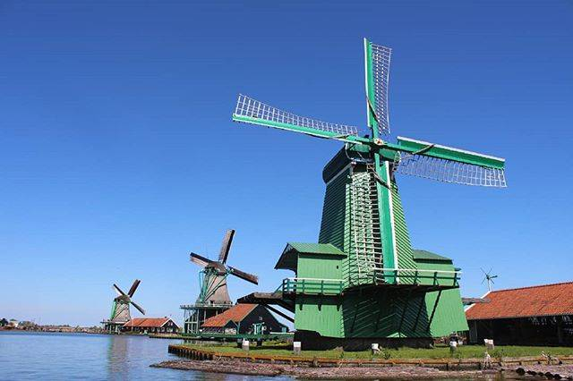 Alex BattistoniさんはInstagramを利用しています:「Splende il sole nei cieli d'Olanda. #mulini #olanda #travel #beautifulday #amsterdam」 (58164)
