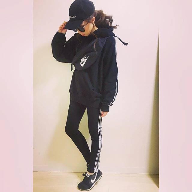 """sawa eri on Instagram: """"今日は#札幌コレクション 行くはずだったけどお引越しの関係で断念〜〜😂📦💦 でも少しずつお引越しの方も落ち着いてきてひと安心☺️🎶 軽く次の仕入れリサーチしたけど可愛いお洋服たくさんで1人でにやけてた。w 次はGW辺りに#予約販売…"""" (58689)"""