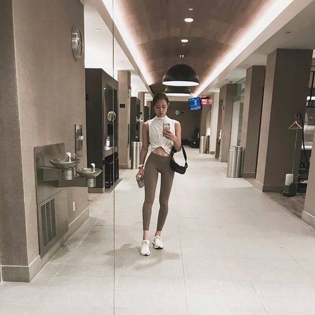 """tsuki💐yogagirl on Instagram: """". . #workoutwednesday  @equinox  長期休暇モードだった筋肉を ちゃんと働かせるために、 最近は自分の #パーソナルトレーニング 再開🏋️♀️ そしてなにより運動は 自分が「好きで、楽しく」 続けられる環境が 1番だと再確認してます✍️✍️ .…"""" (58722)"""