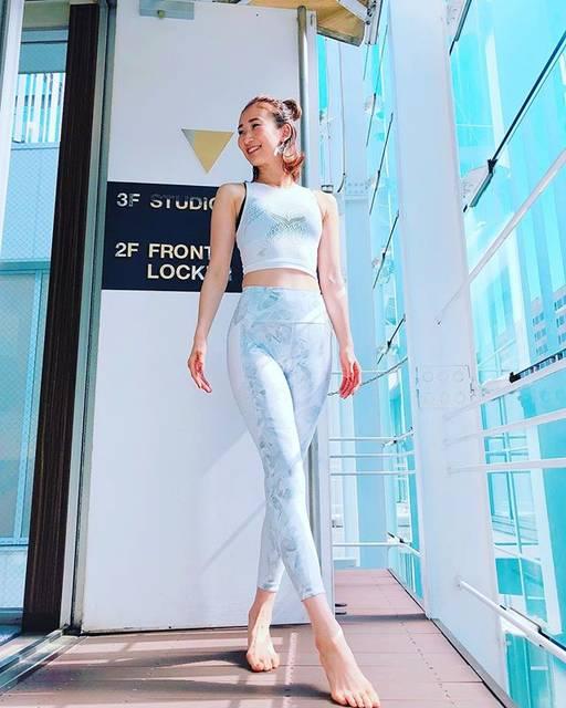 "Yuki Nakamura Lani yoga on Instagram: ""・ @lululemonjp ・ 初めての挑戦👀✨ 上下ホワイトウェアで #一日一汗 ・ 気持ち良いGWスタートになりました☺️ lululemon ginzaSIXの皆さんありがとうございます✨ ・ #lululemon #一日一汗  #lululemonleggings…"" (58728)"