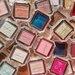 《ジル スチュアート》新作単色アイシャドウ「アイコニックルック アイシャドウ」全35色が新発売♥品のある大人のフェミニンスウィート