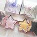【メイクアップレボリューション】星型デザインとキラキラが可愛い《スターオブザショー ハイライター》の口コミをチェック♡
