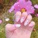 可憐な指先を作れる《コスモスネイル》に注目!秋を代表する花で繊細なデザインに♡