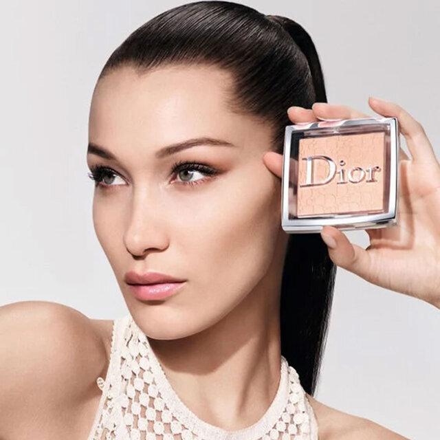 Dior 2021春夏|ノンパウダーのような新作パウダー『ディオール バックステージ フェイス...