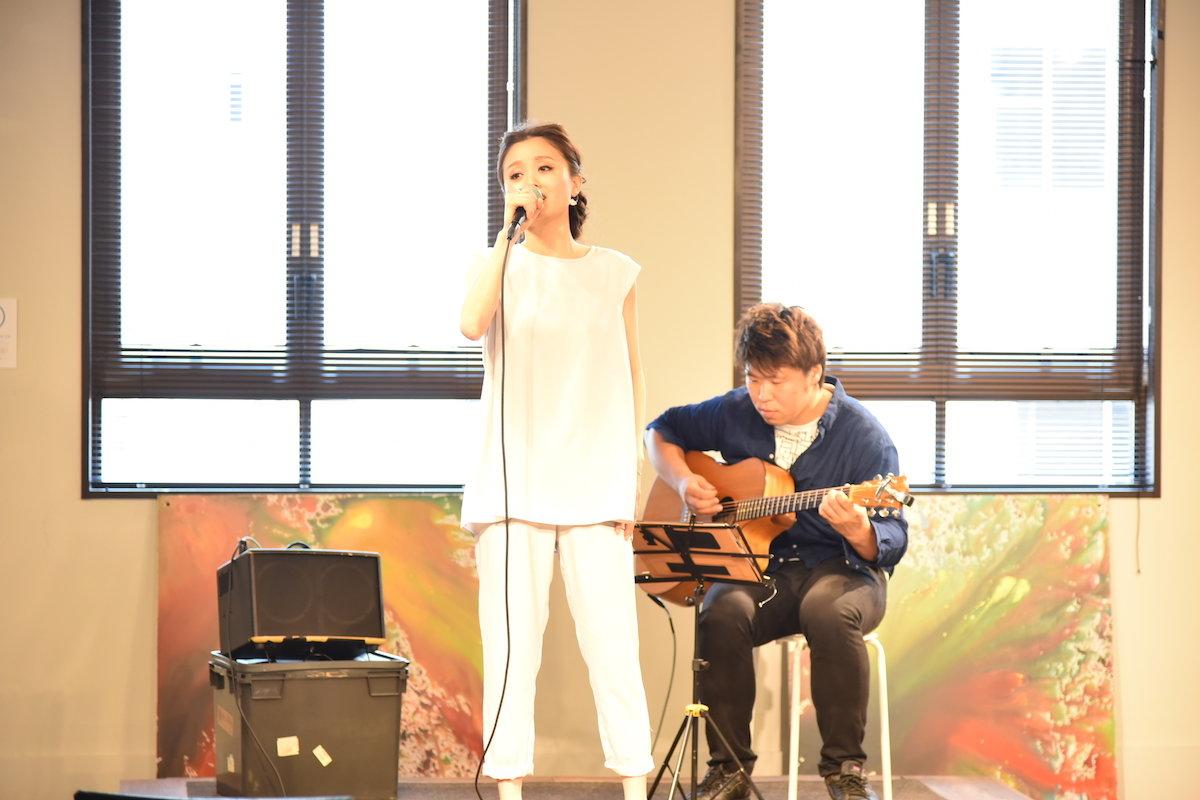 ENVIE 小関ミオによるアコースティックライブ