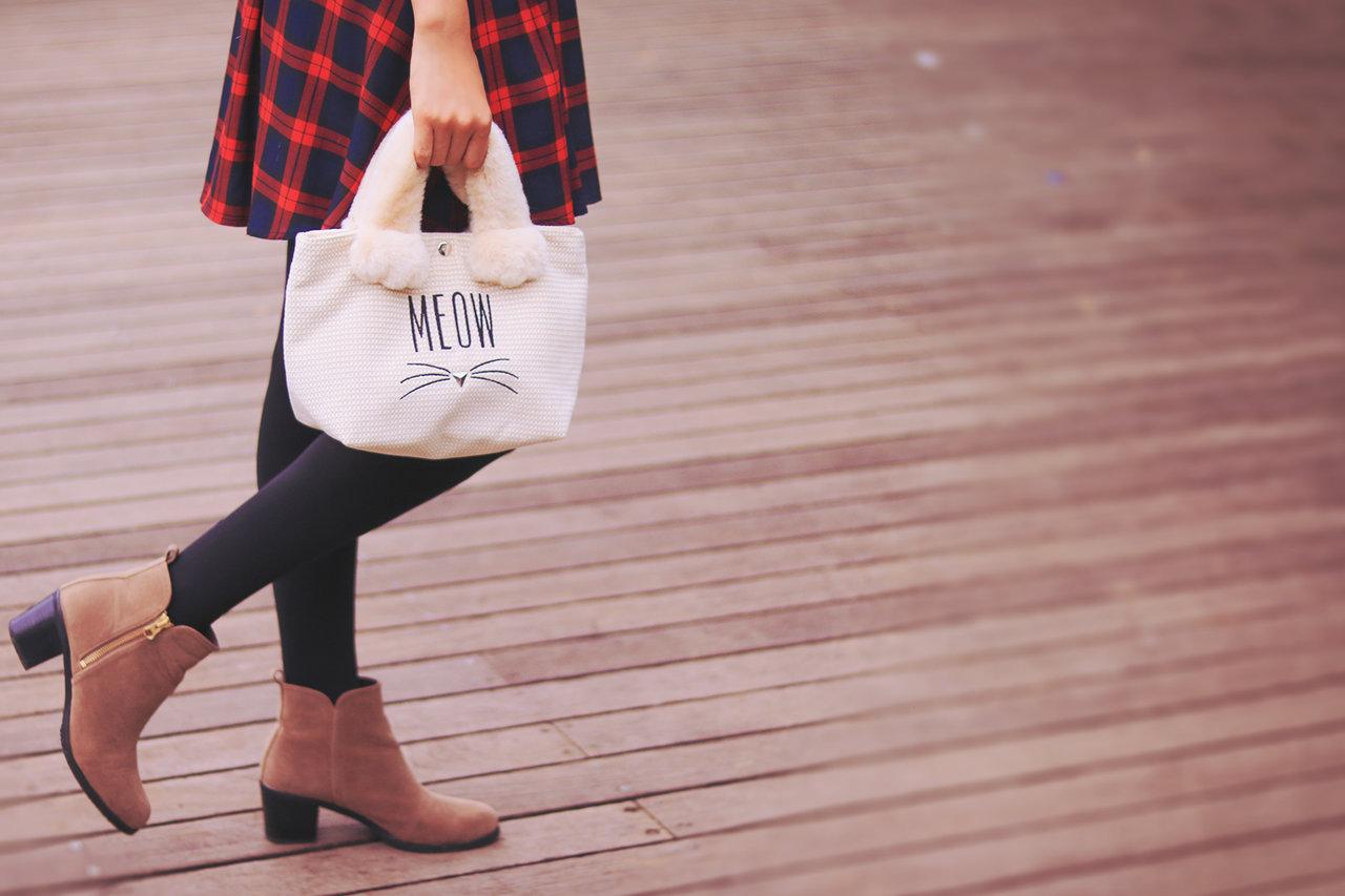 フリー素材 ブーツ 女性