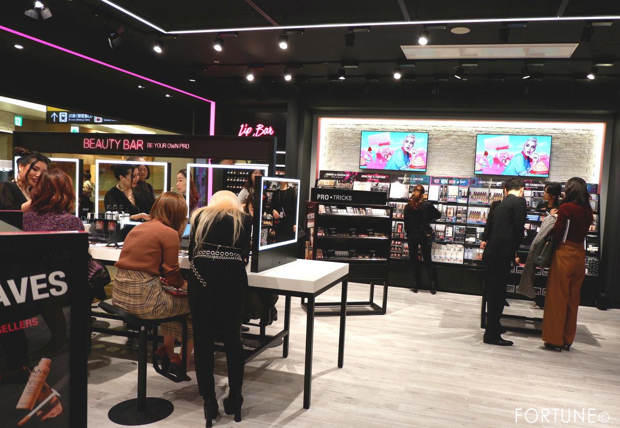 NYX(ニックス) NYX Professional Makeup ルクア大阪店 西日本初