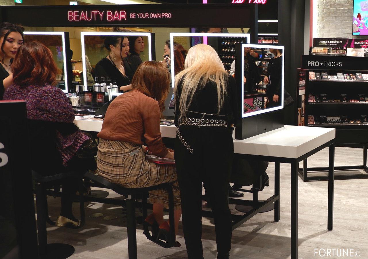 NYX(ニックス) NYX Professional Makeup ルクア大阪店 西日本初 ビューティーバー