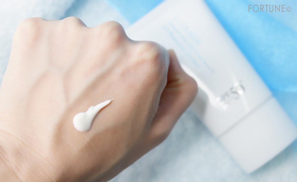 カネボウ化粧品 LISSAGE(リサージ)「リサージ UVプロテクターパーフェクト」テクスチャー