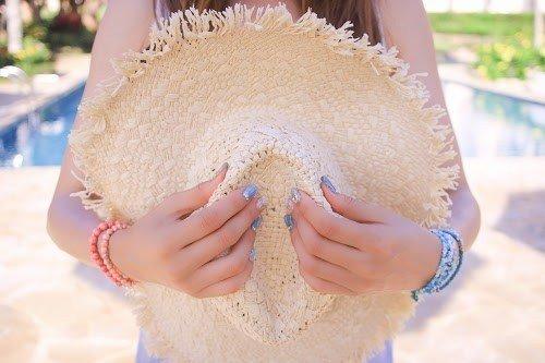 夏 女性 麦わら帽子