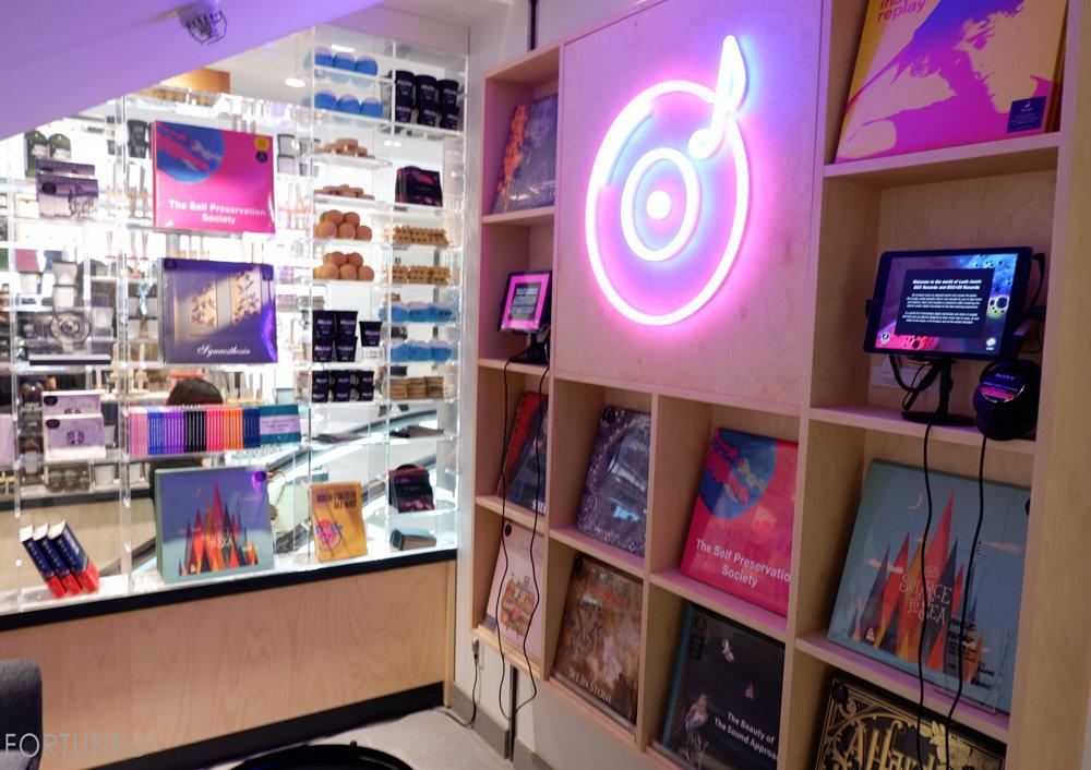画像:LUSH(ラッシュ)新宿店