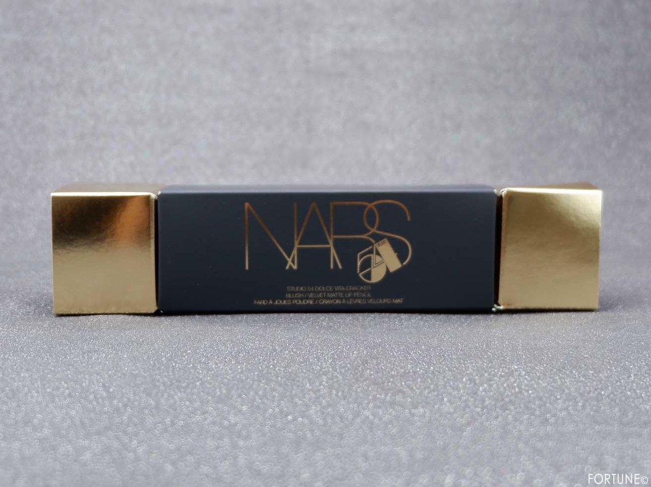 画像:NARS(ナーズ)クリスマスコフレ「NARS スタジオ54 ドルチェヴィータ クラッカー」