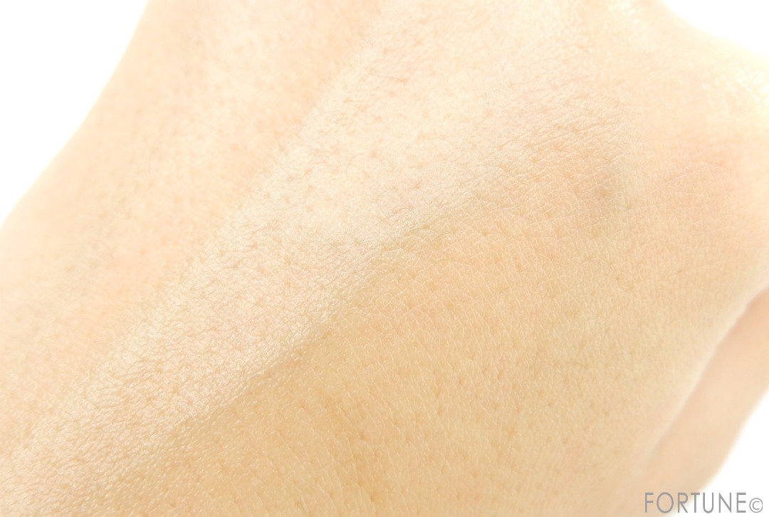 画像:ロベクチン エッセンシャル フェイスオイル オイル美容