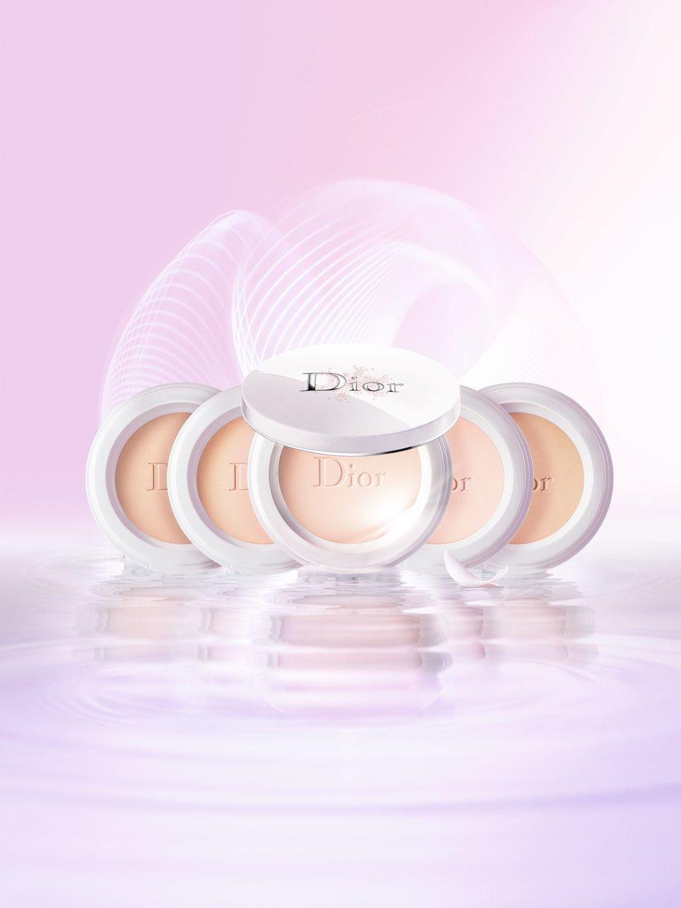 ディオール(Dior)「スノー パーフェクト ライト コンパクト ファンデーション」