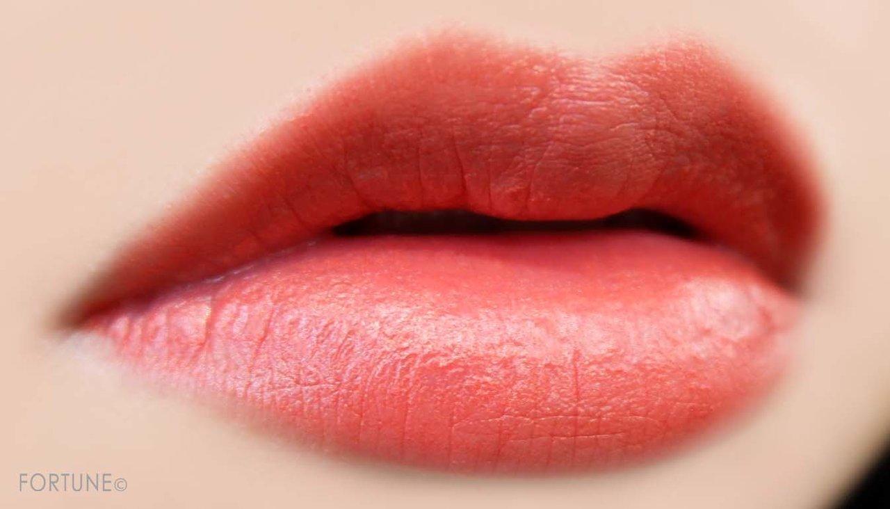 画像:Dior(ディオール)「ルージュ ディオール ウルトラ リキッド」808 カレス