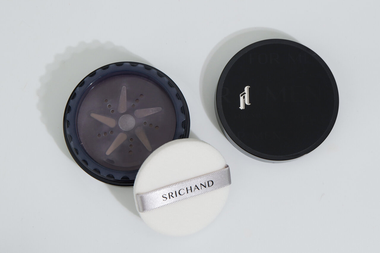 Srichand(シーチャン)タイコスメ メンズ用「ブラックエディション オイルコントロールパウダー」