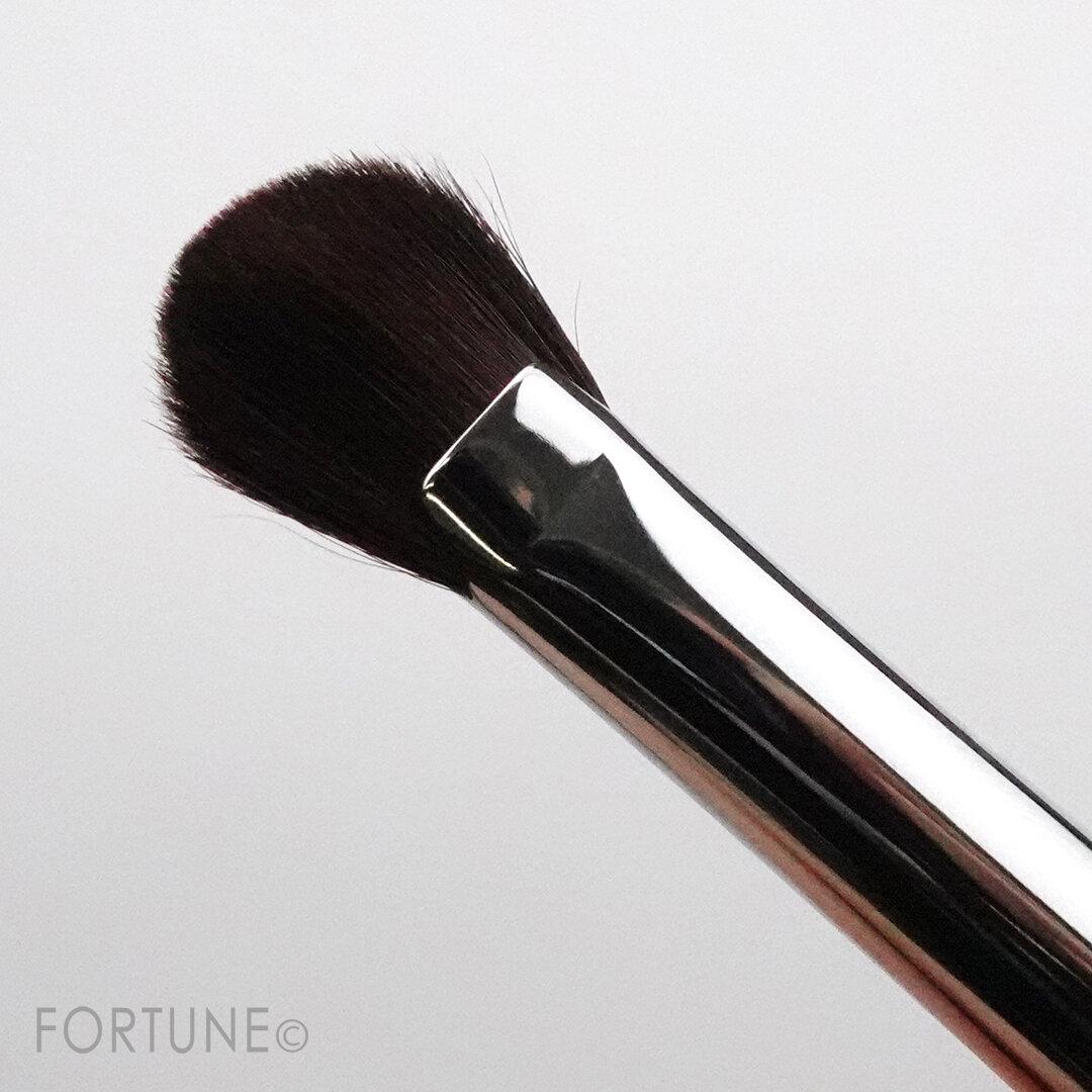 WHOMEE(フーミー) 2020年冬 新作コスメ 『make brush brow KUMANO(アイブロウブラシ 扇型 熊野筆)』