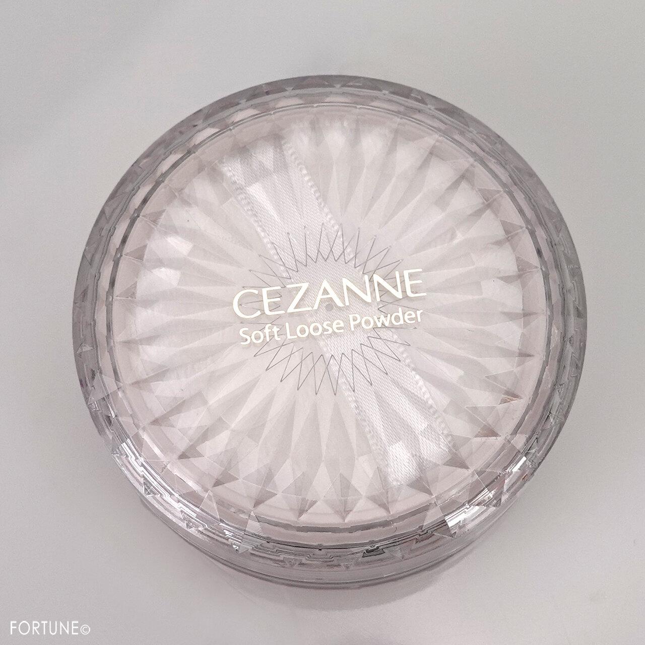 CEZANNE(セザンヌ)『うるふわ仕上げパウダー 03ルーセントクリア』
