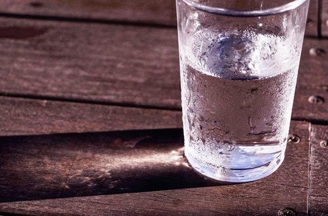 水ファンデーション