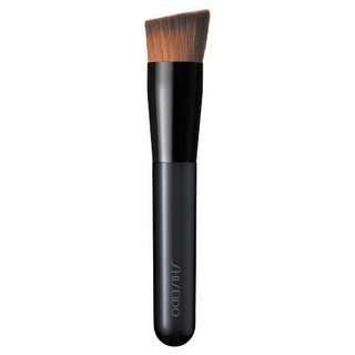 資生堂 ファンデーション ブラシ 131(専用ケース付き) - 化粧品・コスメの通販 | ワタシプラス/資生堂 (272006)
