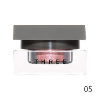 THREE シマリングカラーヴェール ステートメント 05 SHE IS LOVE (556182)