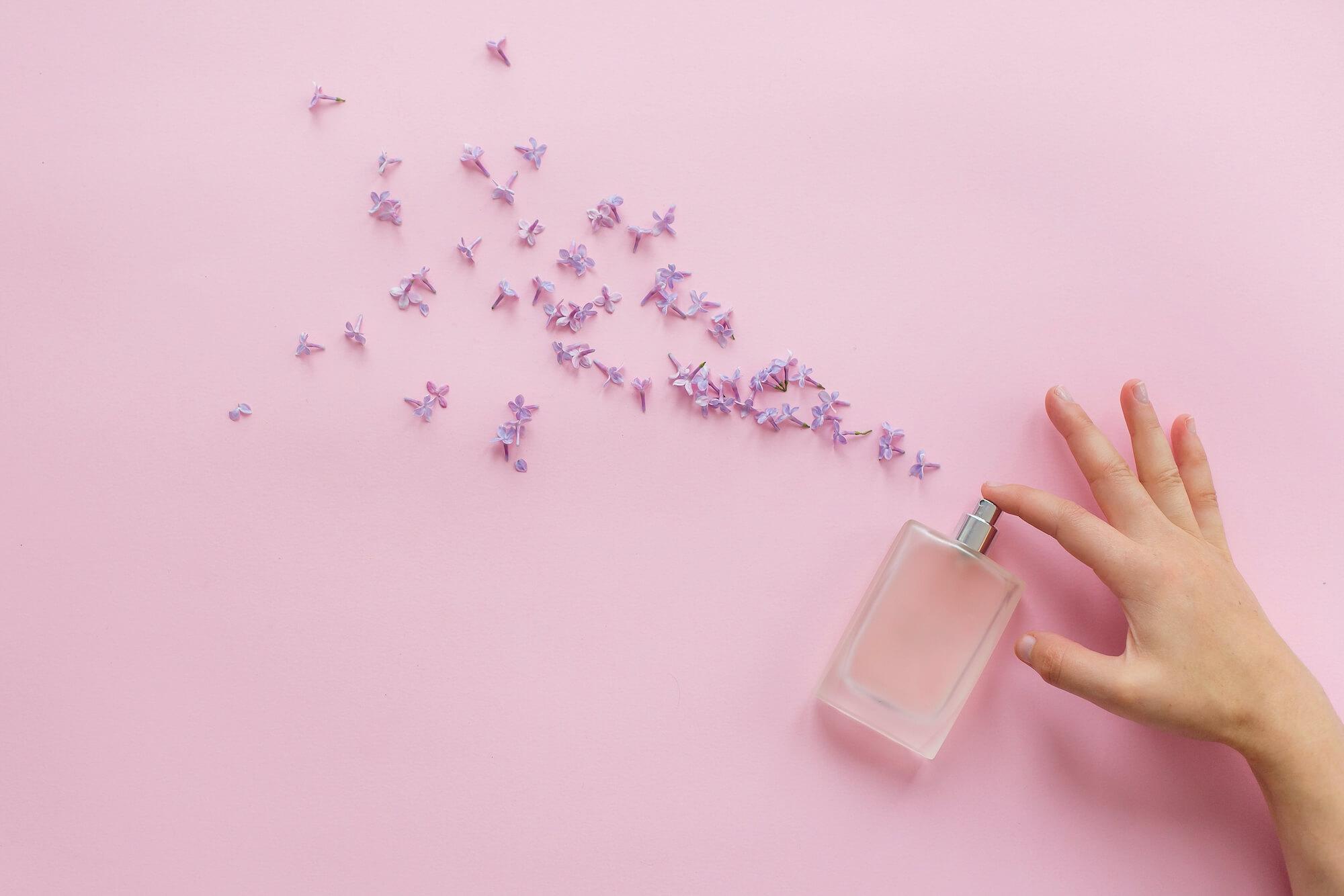 香水にはどんな種類がある?香りを使いこなすポイントを解説
