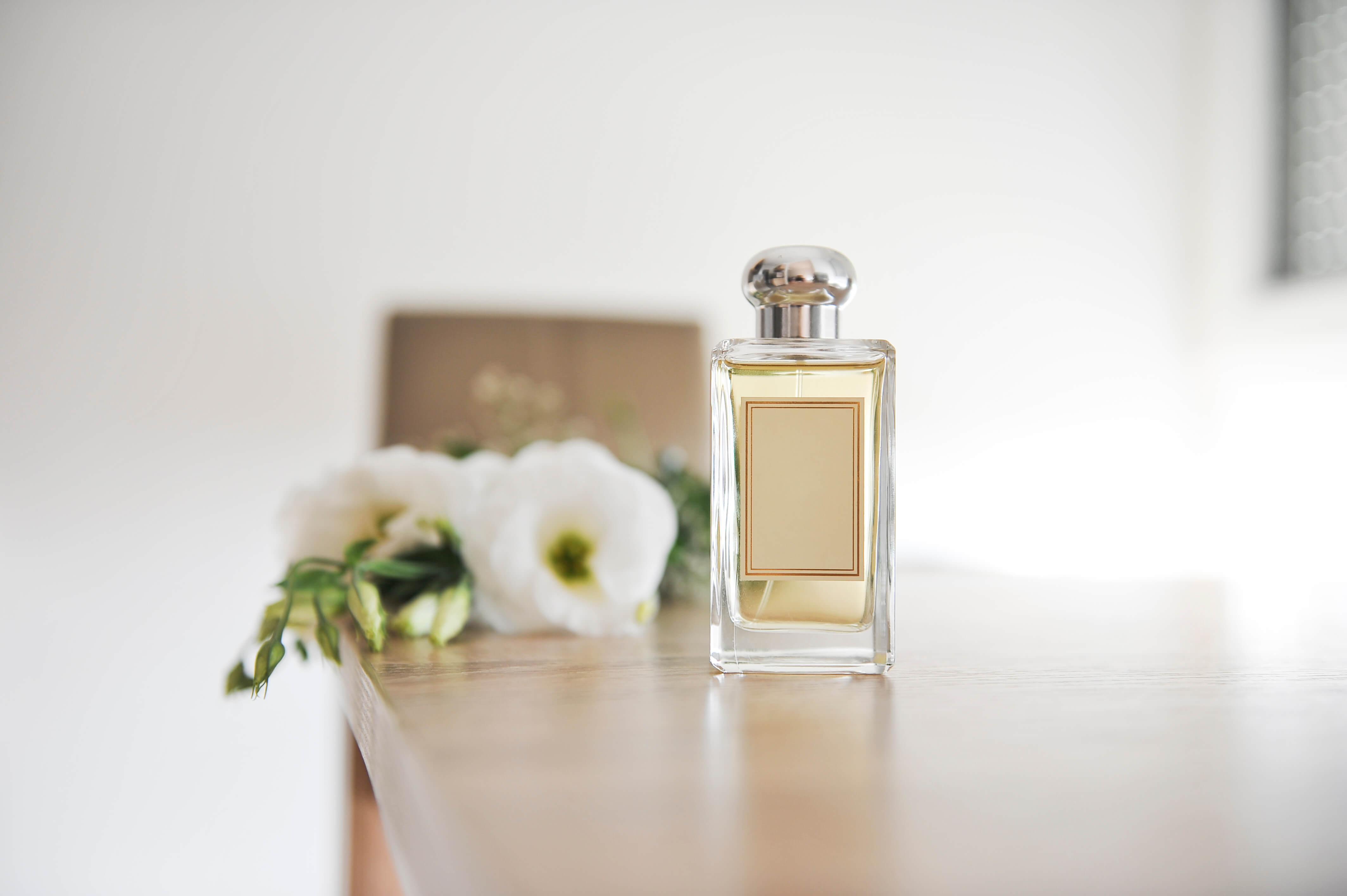 夏にふさわしい香水やつけ方。大人のサマーフレグランスを紹介します