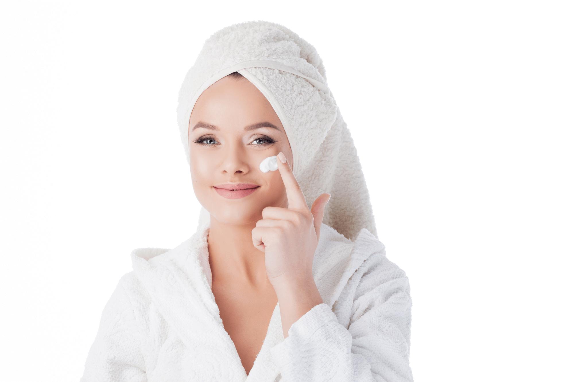 メイク落とし・洗顔の違いとは?ダブル洗顔の必要性や正しいやり方を解説