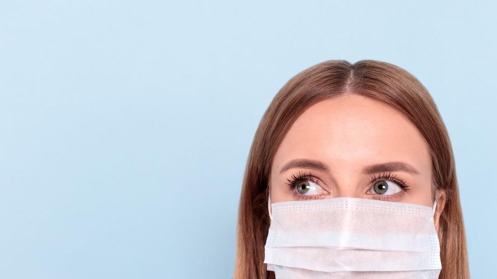 皮膚科医が指摘するマスクニキビ増加。その原因と対処法、予防まで詳しくご紹介