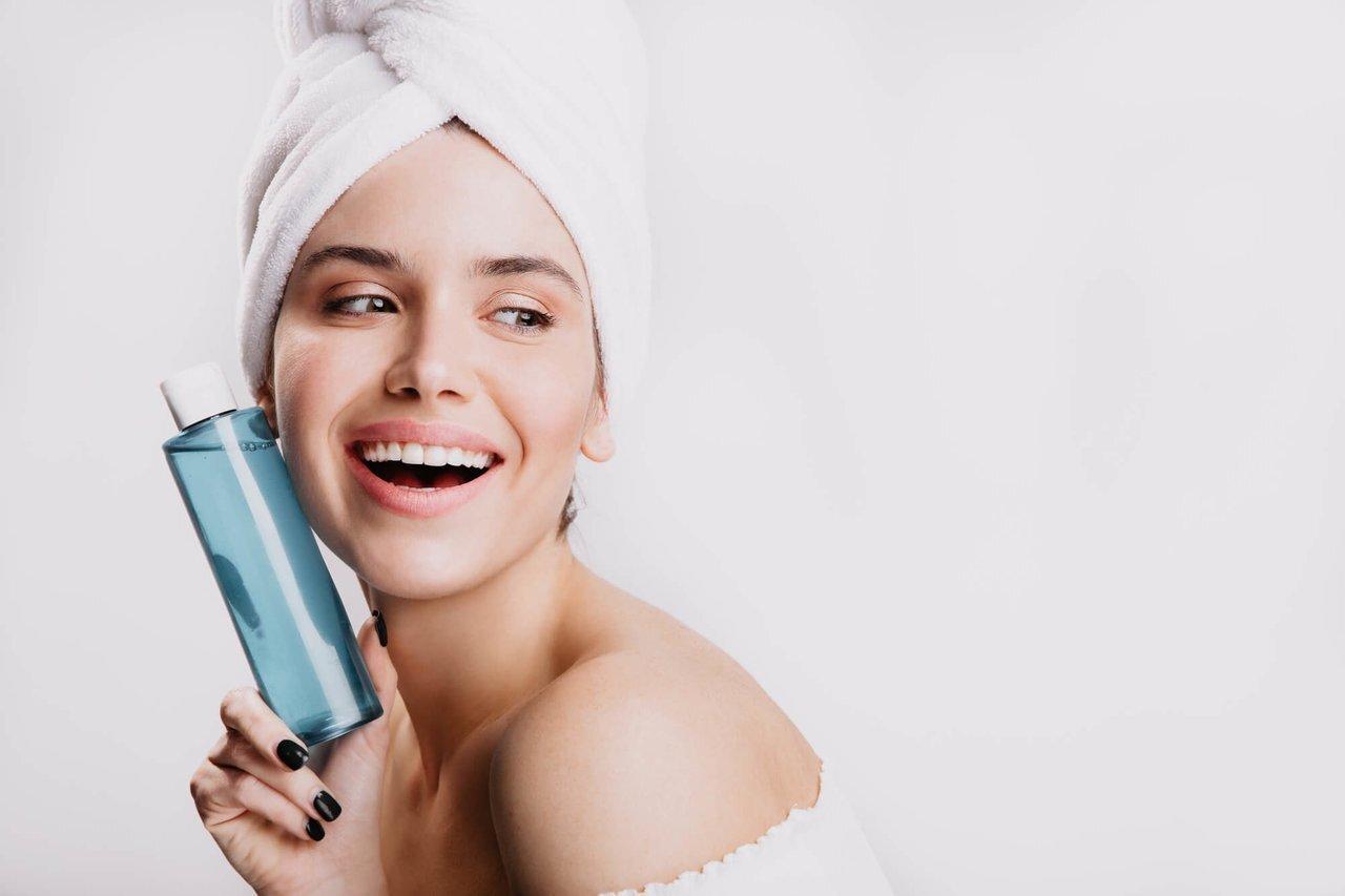 敏感肌の化粧水はどう選ぶ?ケアのポイントとは - Her ELEGANCE