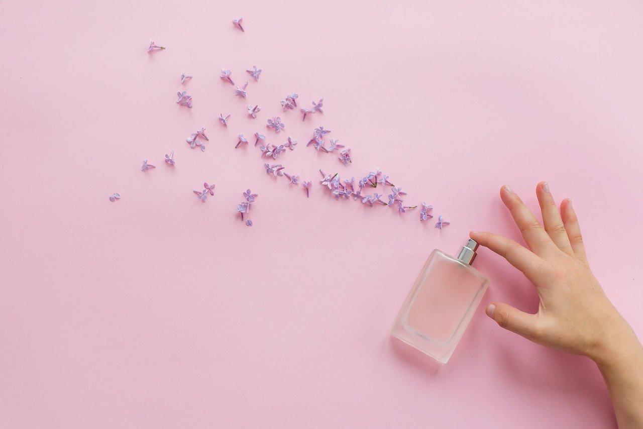 香水にはどんな種類がある?香りを使いこなすポイントを解説 - Her ELEGANCE