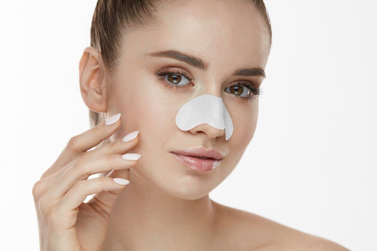 【皮膚科医監修】メラニン毛穴?角栓の酸化?黒ずみの原因を知って、毛穴の目立たない肌へ - Her ELEGANCE