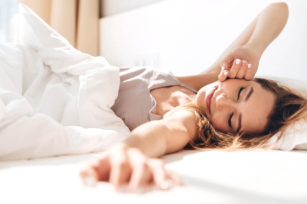 ダイエットが成功しないのは睡眠のせい?推奨されている時間・気をつけるべきポイントも - Her ELEGANCE