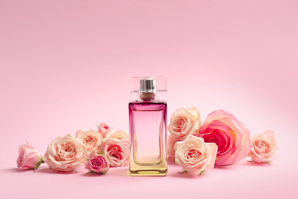 香水の使用期限は1〜3年が目安!その理由や正しい保管方法なども解説 - Her ELEGANCE
