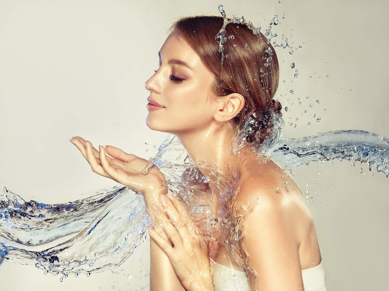 【化粧水の正しい使い方】効果的に使うために再確認したいこと - Her ELEGANCE