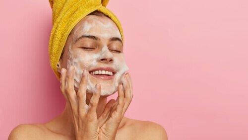 花粉が舞う季節は「洗顔」の見直しと入念なスキンケアが美肌のカギ - Her ELEGANCE