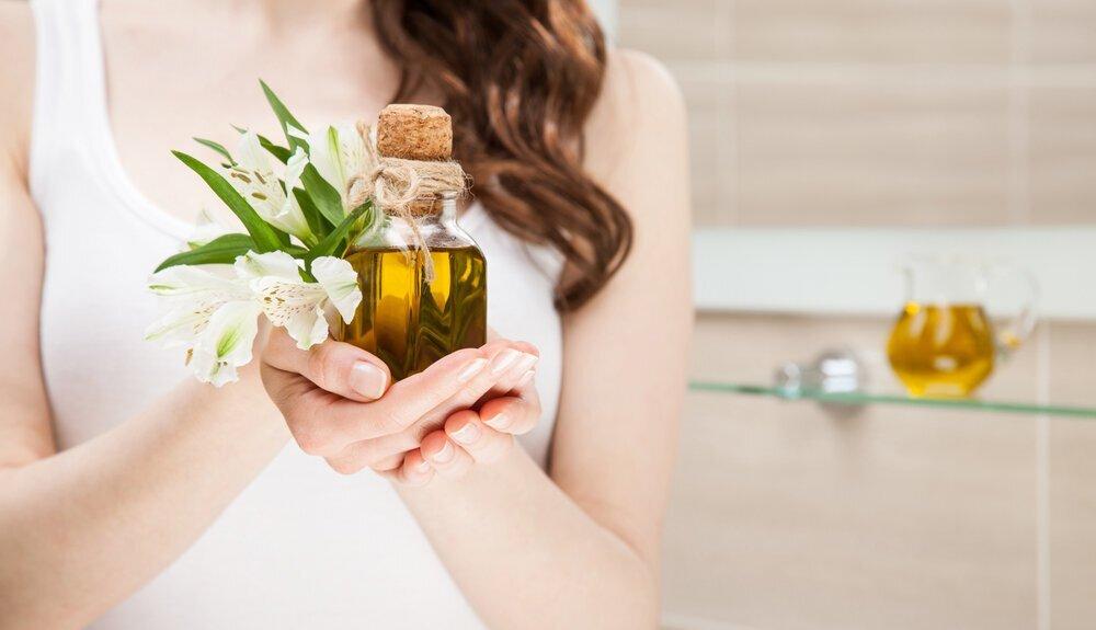 髪のお手入れはオーガニックヘアオイルで。正しい使い方とおすすめの商品を紹介 - Her ELEGANCE