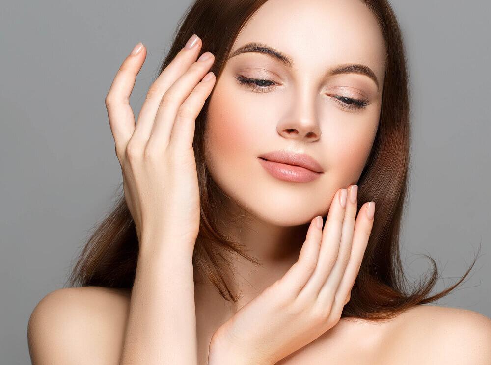 ハリ肌を取り戻そう!たるみの原因や対策、おすすめの商品も紹介 - Her ELEGANCE
