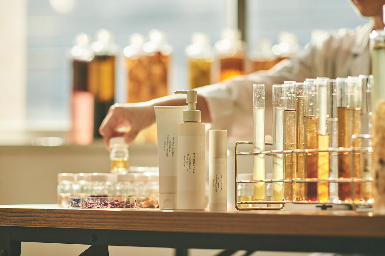 40代のお肌には保湿が重要。うるおいをとり戻すおすすめの化粧水 - Her ELEGANCE