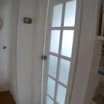 【DIY】バスルームドア交換!明るくて清潔感の有る空間