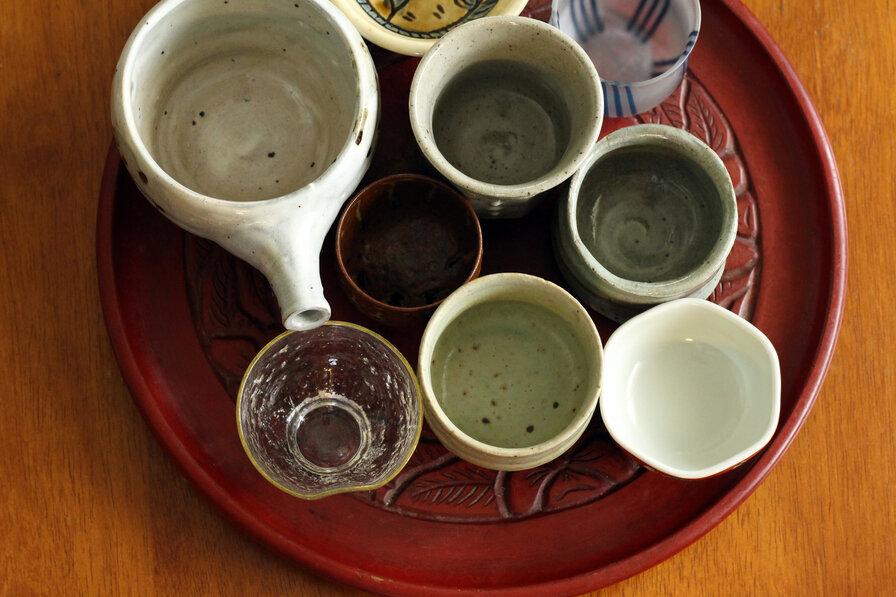 ぐい呑みで日本酒を楽しもう。おちょことの違いや選び方も
