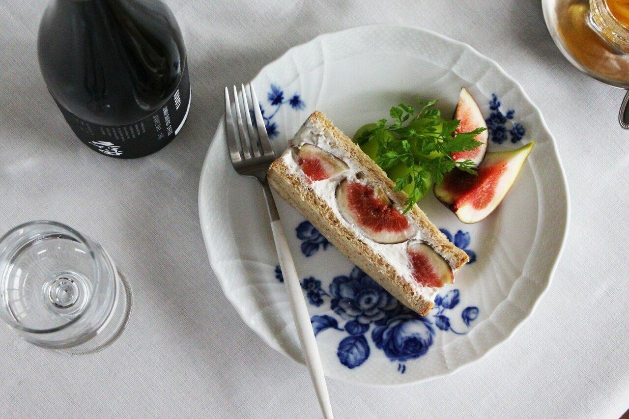 日本酒をもっと楽しむおつまみレシピ|いちじくとレモンのチーズサンド