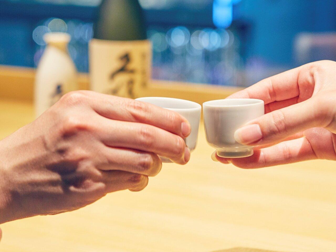 いい夫婦の日にパートナーが喜ぶプレゼントを。乾杯に最適な日本酒や酒器も