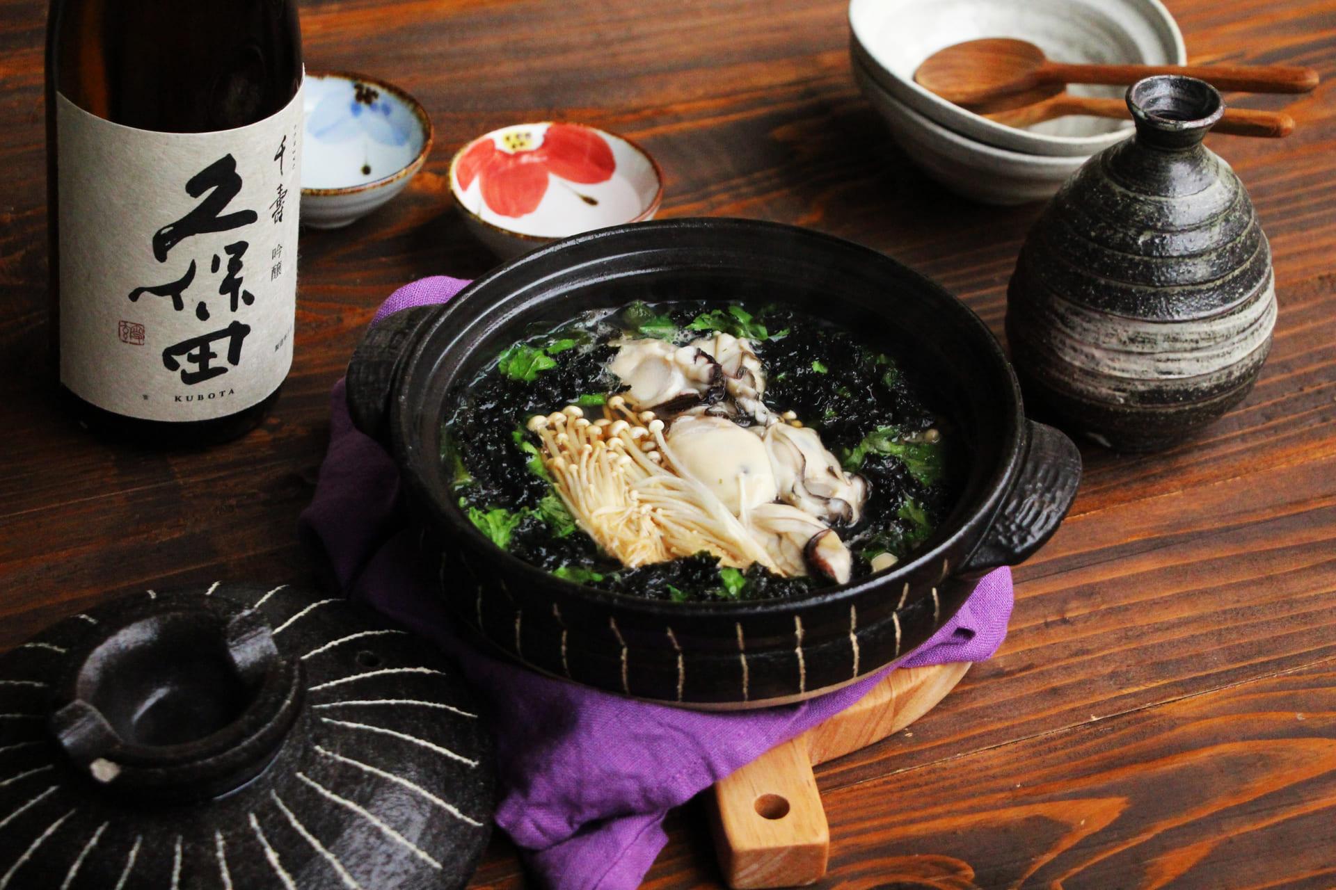 日本酒をもっと楽しむおつまみレシピ|牡蠣と春菊の海苔鍋