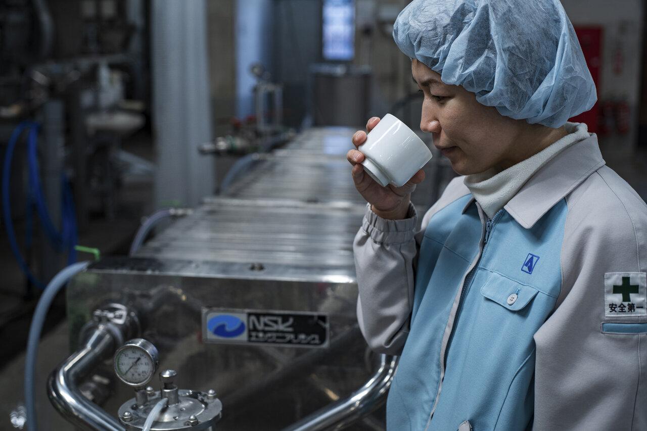 """日本酒の造り方を解説!蔵から引き継いだお酒を""""磨き上げる""""工程「調合精製」"""