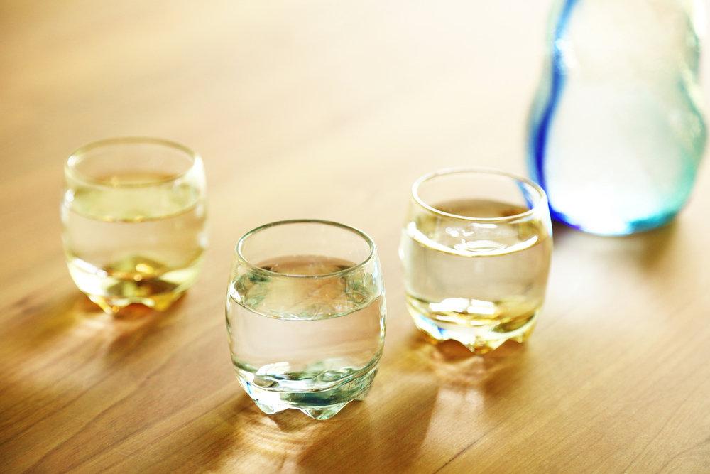 ガラス製の酒器
