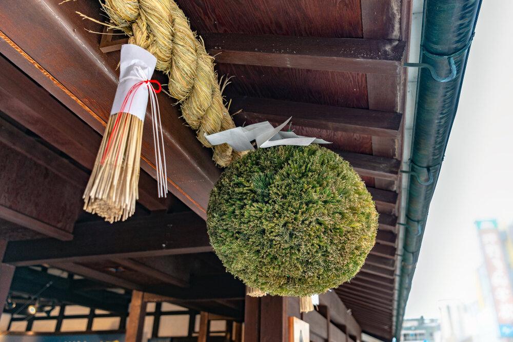 緑色の杉玉