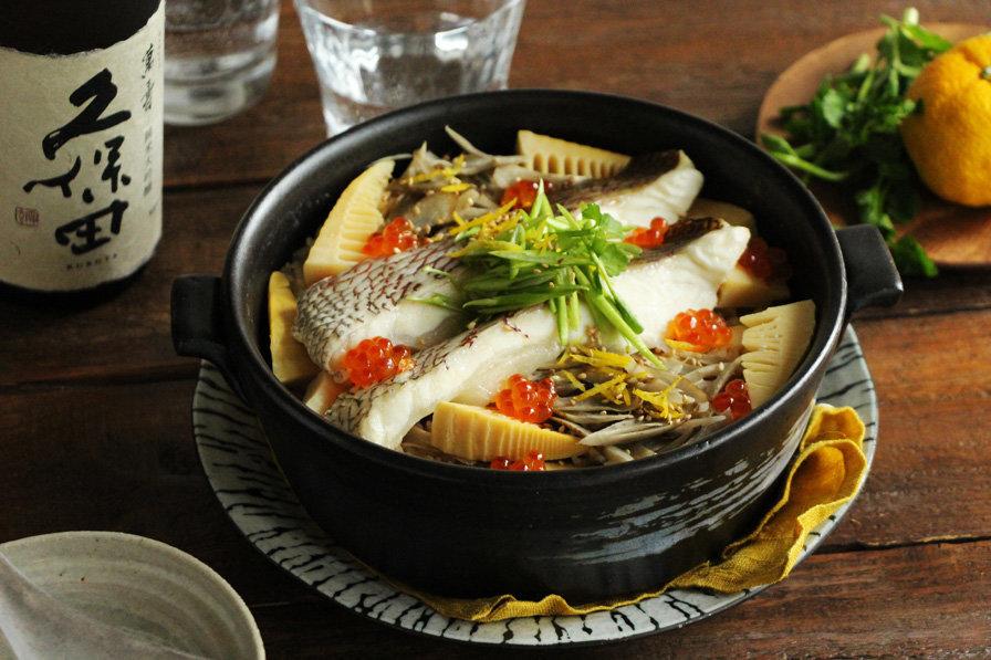真鯛の炊き込みご飯と日本酒 久保田