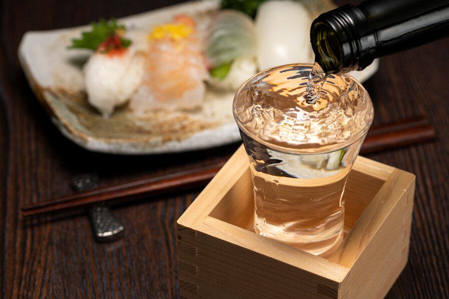 お寿司と日本酒(もっきり)