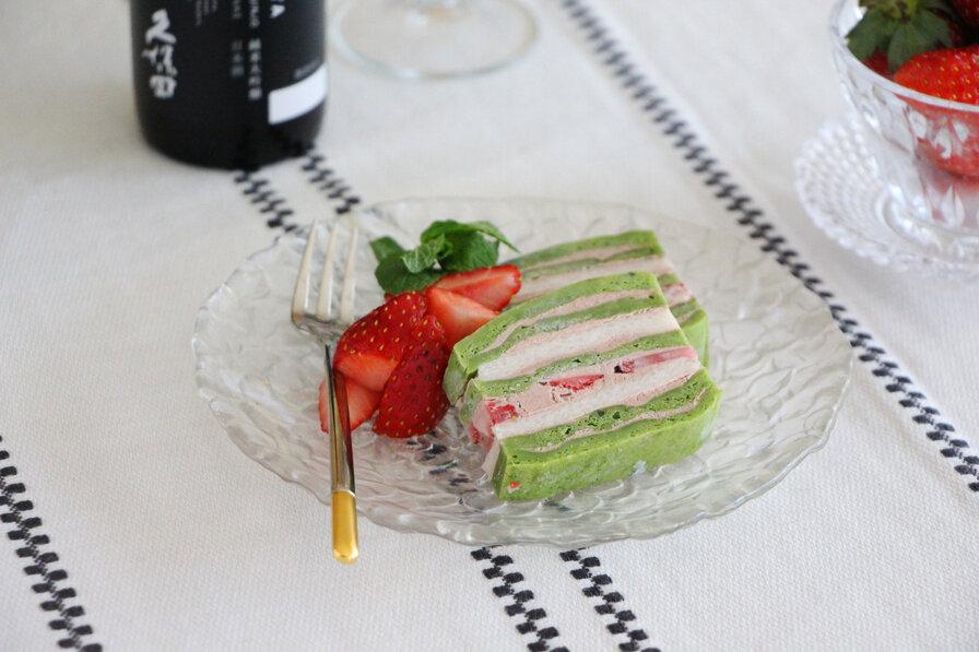 「酒粕と抹茶のミルフィーユケーキ」の完成